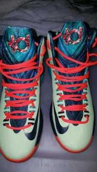 pair of red-and-blue Nike basketball shoes Silver Spring, 20904