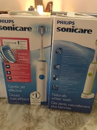 two white Philips Sonicare electric toothbrush boxes Montréal, H1G 5N6