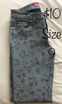 Floral Jeans TinselTown Cicero, 60804