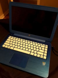 Ultra blue HP laptop with plug good condition! Montreal, H1R 2T8