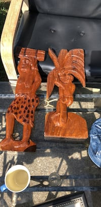 two brown wooden candle holders Warrensville Heights, 44128