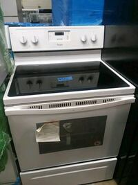 Whirlpool stove electric brand new scratch and den Baltimore, 21223