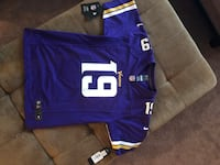 Thielen Jersey AUTOGRAPHED Youth Large Vikings NEW