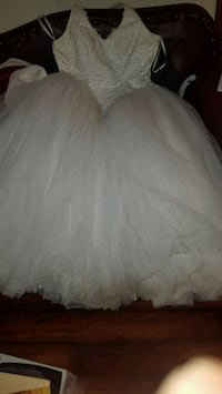 Wedding dress Saginaw, 76179