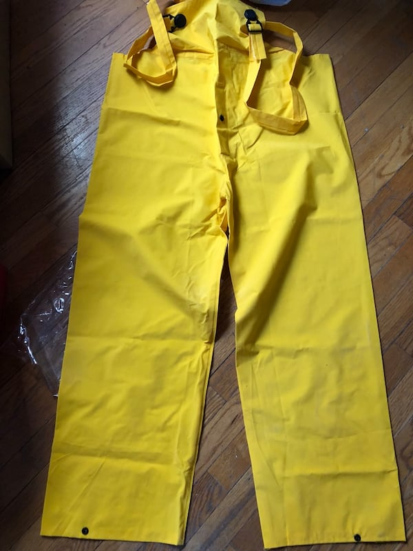 New Boss large yellow 3-piece lined PVC rain suit 99d605f3-a88a-4905-8af4-aa7be5da821b
