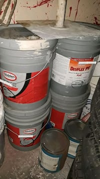 5 gallon interior/exterior off white paint Houston, 77072