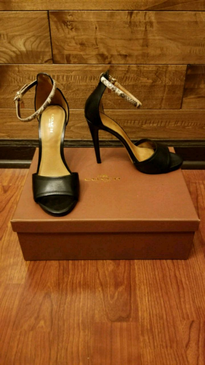 Photo COACH JULIETTE LEATHER HEEL SIZE 6