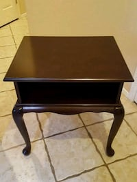 Bombay Company End Table or Nightstand  Las Vegas, 89134