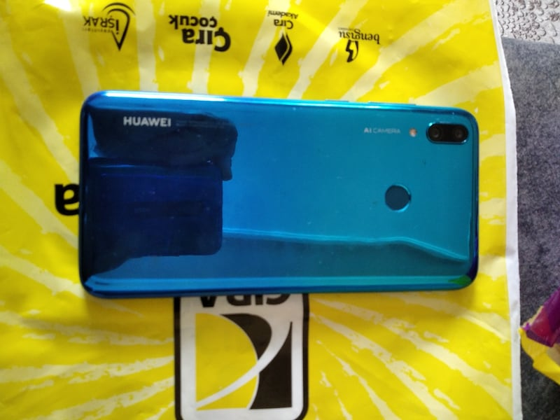 Y7 2019 prime blue 32 GB  84a24ae2-8e06-4348-adc2-be5466268603