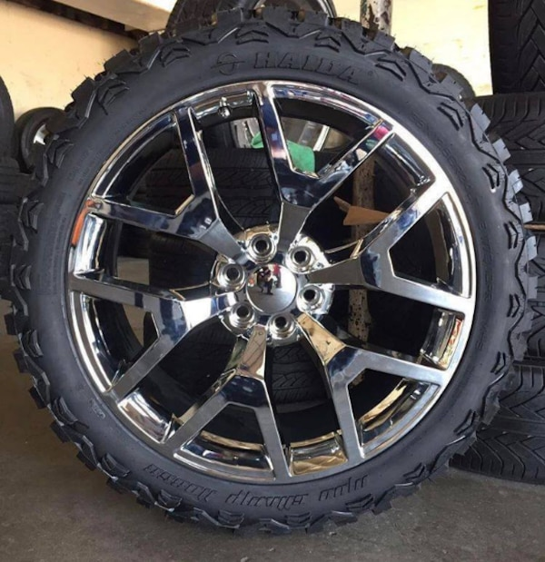 Re Chrome Rims >> 22 New Chrome Snowflake Wheels Wrapped In Off Road Tires