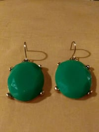 EMERALD GREEN & GOKD CABACHON STYLE EARRINGS Melbourne, 32934