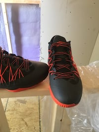Jordan CP3s Used only Once size 11 Brantford, N3R 2W8