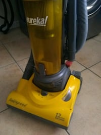 eureka lightspeed 12 amp bagless vacuum with belt view, must pick up Las Vegas, 89121