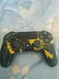 Custom hydro dipped ps4 controller