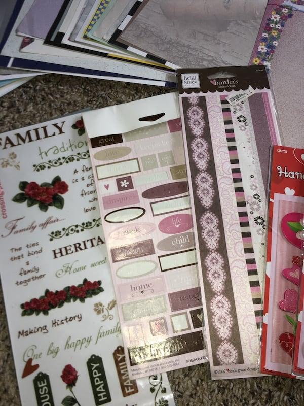 Scrap Book / Booking Hobbie Bundle / Lot  f333ce1a-5e3d-4d28-bdb5-6963fe500c27
