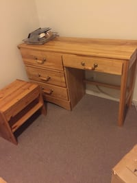 4 drawers Oak desk Vancouver, V6B 0G5