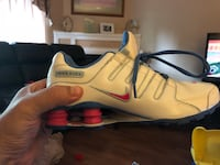 Nike Shox ladies size 6 never worn Surrey, V3V 7L9