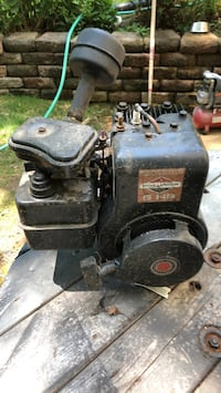 old briggs and stratton motor. needs carb work and magnito.  Leonardtown, 20650