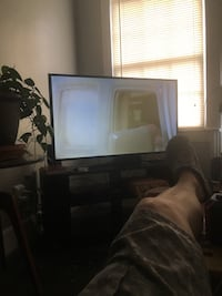 samsung tv 50inch with remote mint condition