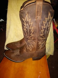 pair of brown leather cowboy boots North East, 21901