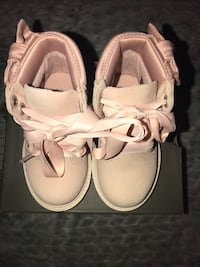 Toddler pink size 5 timberland boots Chicago, 60611