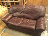CHOCOLATE BROWN LEATHER LOVESEAT (COUCH) - SPRINGDALE - $200  Washington