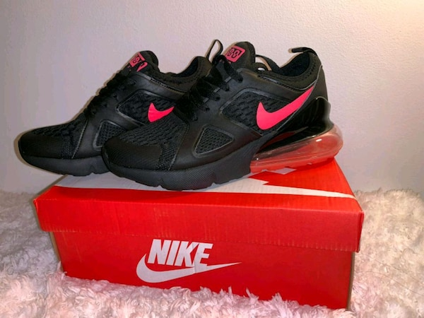 7f1fbd41cdd8b9 Used Nike air 27c size 7 for sale in Clifton - letgo