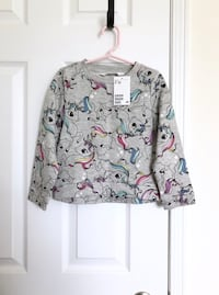 H&M unicorn sweatshirt size 2-4- New with tags Mississauga, L5M 0C5