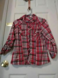 red and black plaid long-sleeved button-up shirt