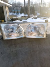 Toyota Tundra Headlights Blue Ridge Summit, 17214