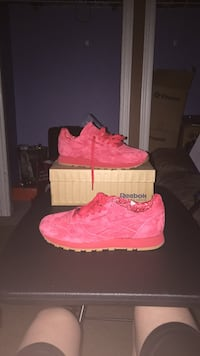 Red Reebok classic Windsor, N9A 3N8