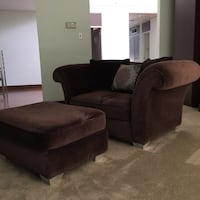 Chair-And-A-Half from LEE INDUSTRIES ~ FREE Ottoman  King, L0G