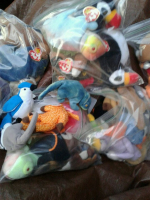 Beanie babies 6 bags of them