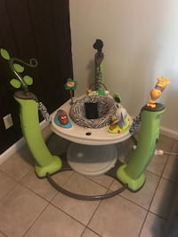 baby's green and white jumperoo Beltsville, 20705