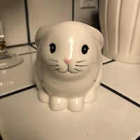 white ceramic cat figurine table decor Gilroy, 95020