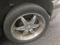 Set 6 lugs 22inch rims with good Tires  Brooklyn, 11206