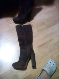 size 8 leather boots Mississauga, L4W 3Z9