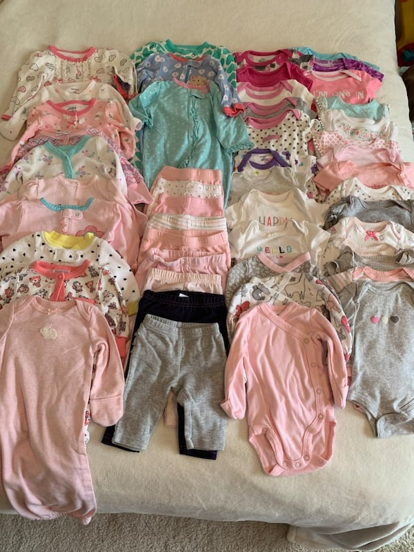 0-3 month girl clothing lot a654b49b-9853-4007-b90d-34f519ab33d8