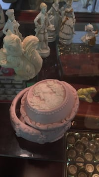 pink ceramic container with lid Richmond, V6X 1E1