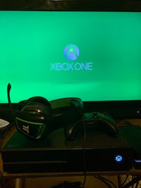 Xbox one with 2k20 and games and headset and controller