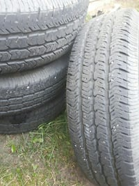 5 tires goodyear tires on jeep rims