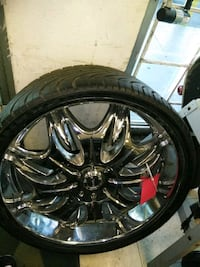 24 inch rims off Chrysler 300 nd 1 tire Tampa, 33610