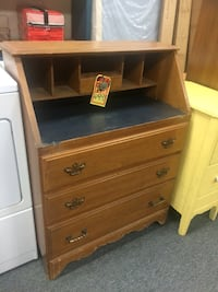 Maple wood dresser desk