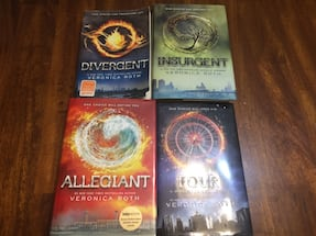 The Divergent series book set