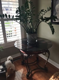 Glass Table (Chairs not included) 2 glass tops, can also be used as an end table Courtice, L1E 3J3