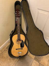 Cameo guitar / acoustic guitar with carrying case