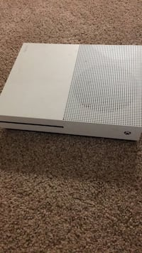 White xbox one game console Suitland, 20746