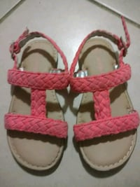 Girls sandals gently used 55 km