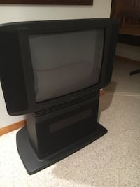 TV built in stand - works  Mount Airy, 21771
