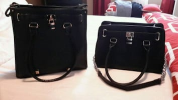 HANDBAGS .IF U SEE THE PIC IT'S AVAILABLE .